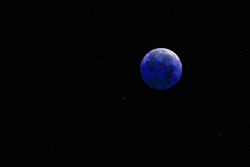 Blue Moon by Stino